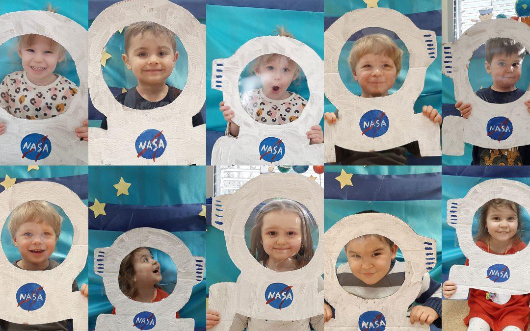 Praca plastyczna: astronauci