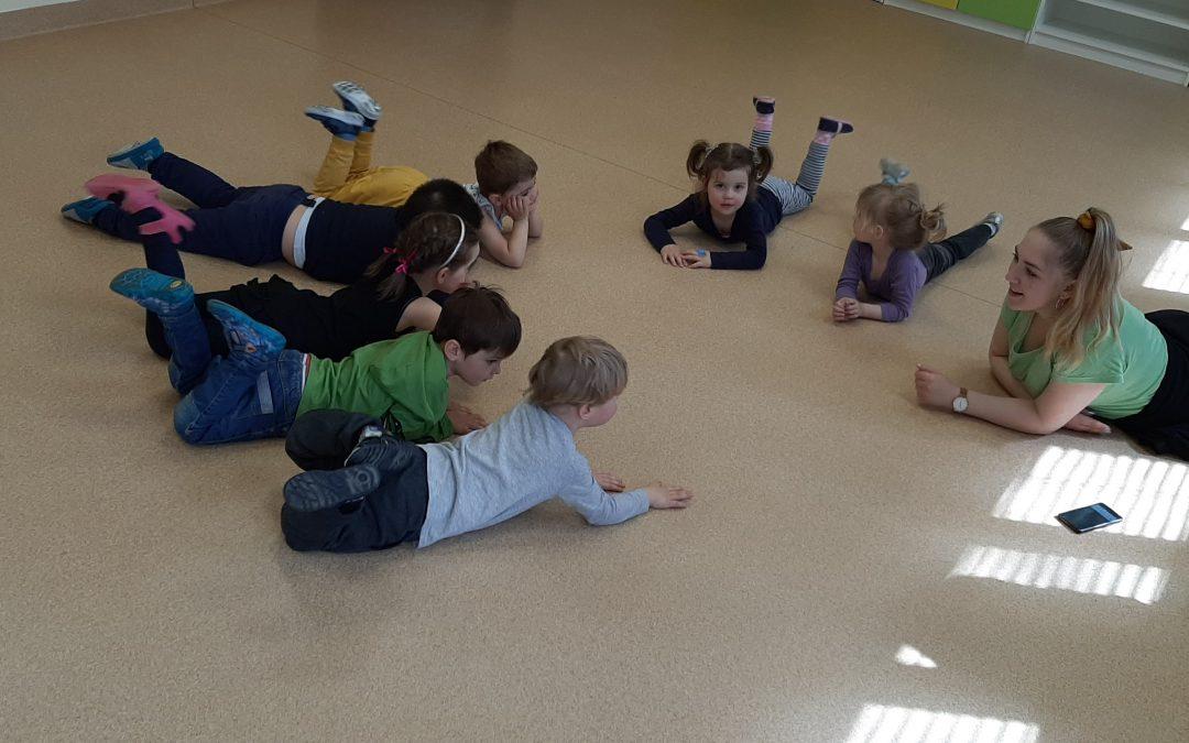 Zajęcia rytmiczne w Przedszkolu Pirata Ferdusia